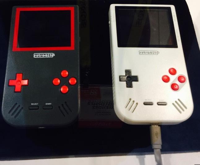 Super Retro Boy : le Game Boy surpuissant présenté lors du CES 2017