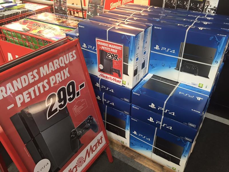 bon plan la ps4 moins de 280 chez media markt en suisse jvfrance. Black Bedroom Furniture Sets. Home Design Ideas