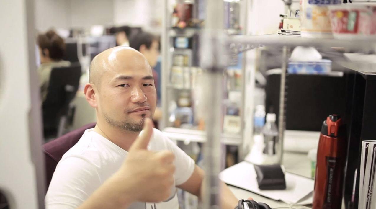 Hideki Kamiya Thumbs up